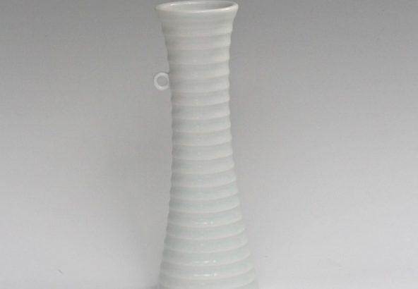 砥部焼 白潟八洲彦 白磁 TOBEYAKI 花瓶  white porclelain vase