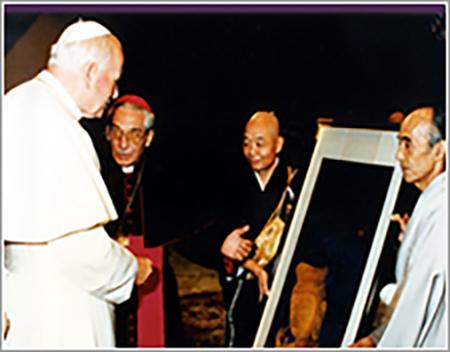 ヴァチカン市国サンピエトロ寺院にて ローマ法王謁見「弥勒菩薩像」収蔵