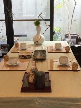 ほうじ茶とおはぎのお茶の時間 (1)