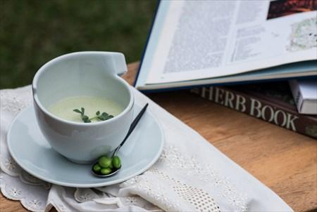 砥部焼 白潟八洲彦 白磁 カップ TOBEYAKI  white porcelain cup