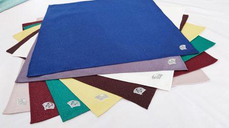 高級 織物 TOKUNARI 宝石  エレガント 洗練 上質 ポケットチーフ KYOTO 青  赤 白 黄色 緑 ピンク 紫 フォーマル パーティ